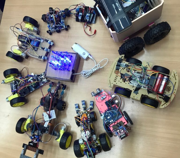 Demonstraţie practică a Cercului de Robotică
