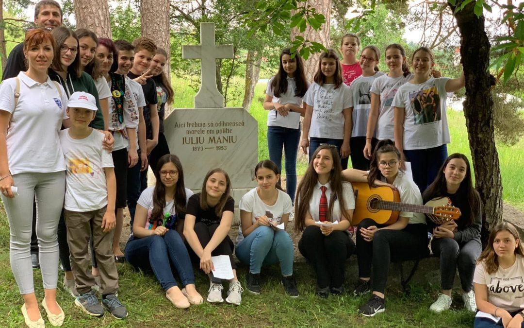 Corul școlii la Bădăcin și Bocșa